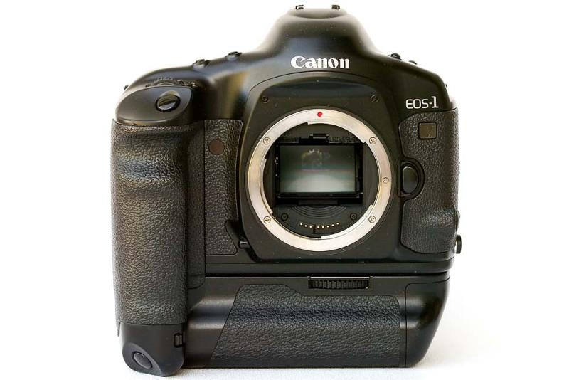 Canon EOS 1v 35mm Automatic Focus SLR with Power Drive Booster PB-E1