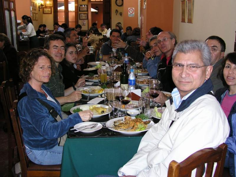 almorzando en Lima