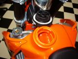 GAS CAP REMOVES WITH 1/4 TURN