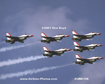 2001 - USAF Thunderbirds at the 2001 Air & Sea Show at Ft. Lauderdale beach military aviation stock photo #UM0106