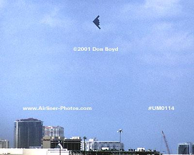 2001 - USAF B-2 Spirit bomber over Ft. Lauderdale military aviation stock photo #UM0114
