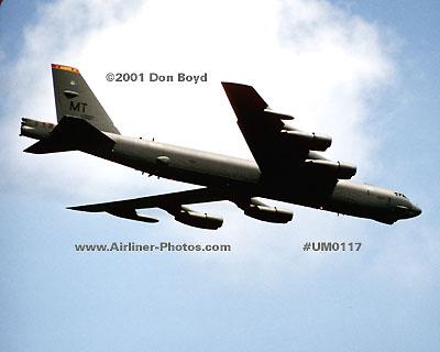 2001 - USAF B-52H Stratofortress 61-0007 military aviation stock photo #UM0117