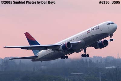 Delta Airlines B767-332 N119DL aviation airline stock photo #6350