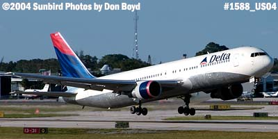 Delta Airlines B767-332 N1402A aviation airline stock photo #1588