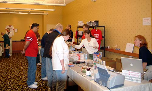 Vendors in the center room at the 2005 Boston Airline Show, photo #7210