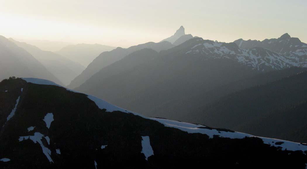Copper Lookout & Mt Slesse<br>(CopperMtLO062904-11adj.jpg)