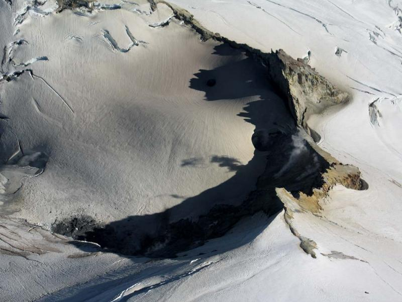 Sherman Crater (MtBaker080805-10adj.jpg)
