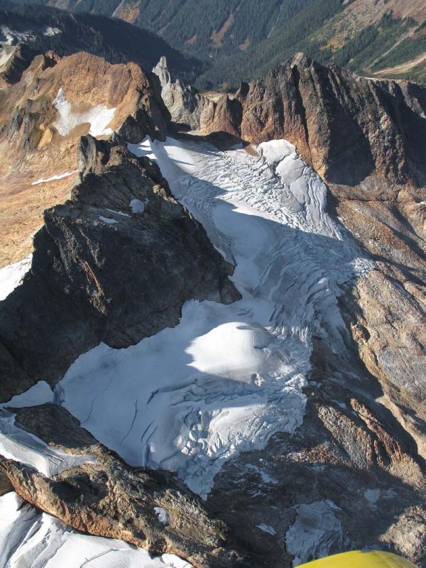 Kindy Glacier & Buckindy Crags (Buckindy092805-60adj.jpg)