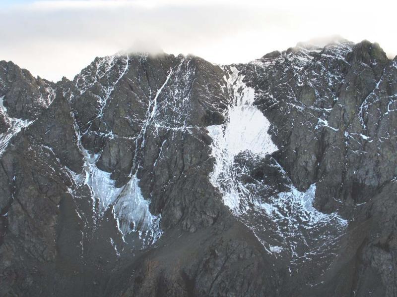 Gardner Mt, N Face Glacier Remnants (Gardner102105-08adj.jpg)