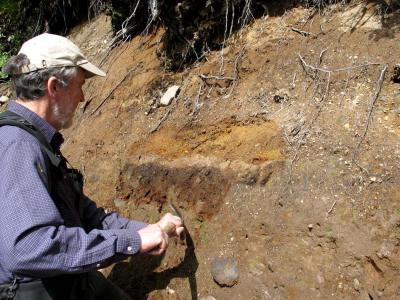 Exposing The O Layer:  Kevin Scott & Mt Mazamas Ash  On Mt Baker (SPaulTrail062105JS-02adj.jpg)