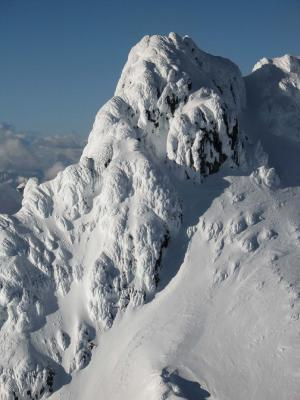 Glacier Pk, Summit Detail, SW Face (GlacierPk052405-88adj.jpg)