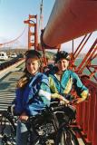 Biking at the center of the Golden Gate bridge