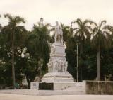Monument in the vicinity of Capitolio.jpg