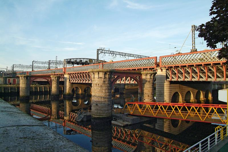 Glasgow Rail Bridge.jpg