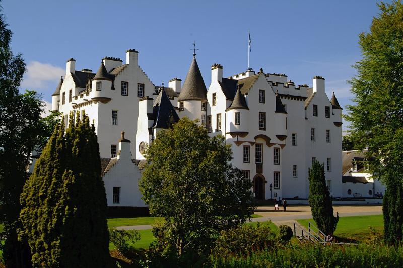 Blair Castle from the Coach.jpg