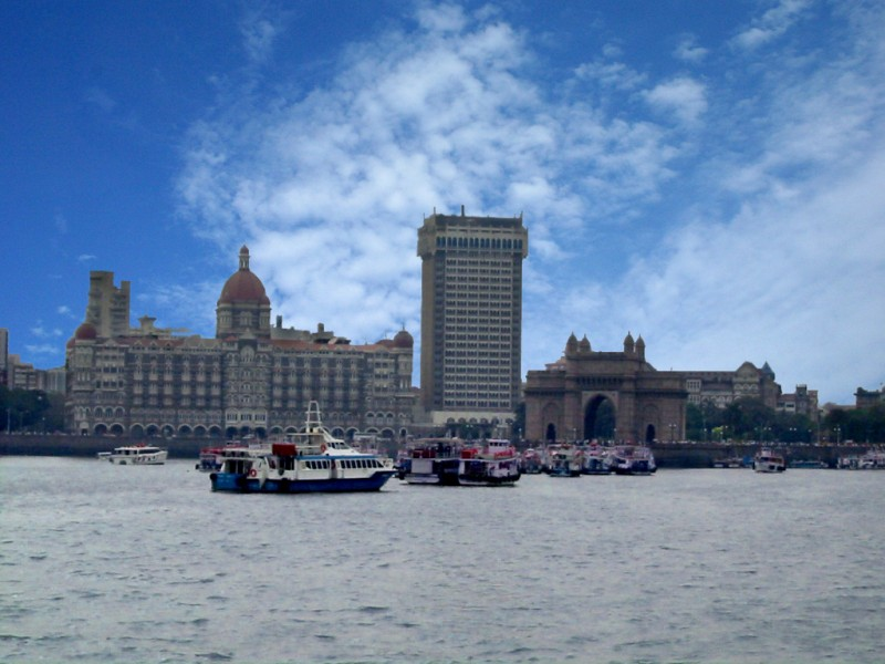 Gateway of India land view.jpg