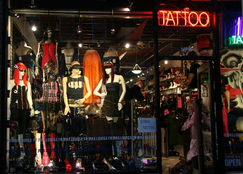 Tatoos & Novelties