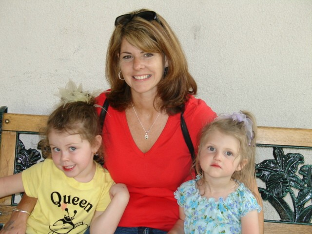 Maura with daughters Michaella and Bella