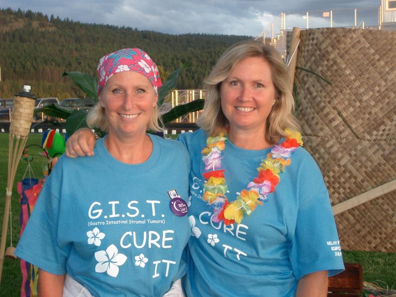 2005RelayforLife-Kim and sister Tami in Montana