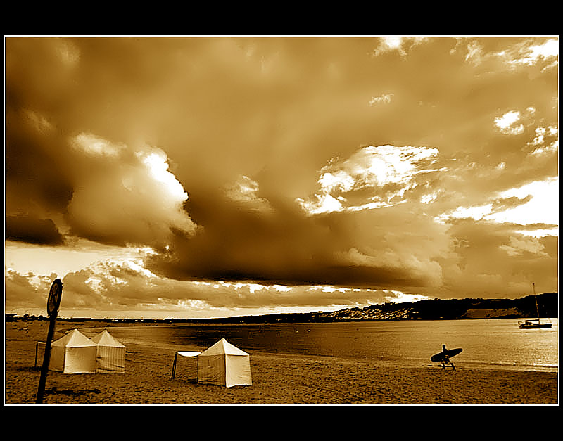 23.09.2005 ... Lone surfer ...