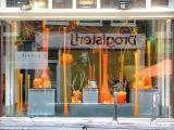 Oranje Window Dressing