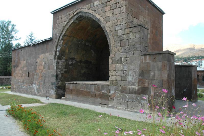 Bitlis Ihasiye Serafhan Medresesi 1422