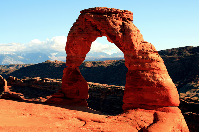 Delicate Arch at Sunset Early.jpg
