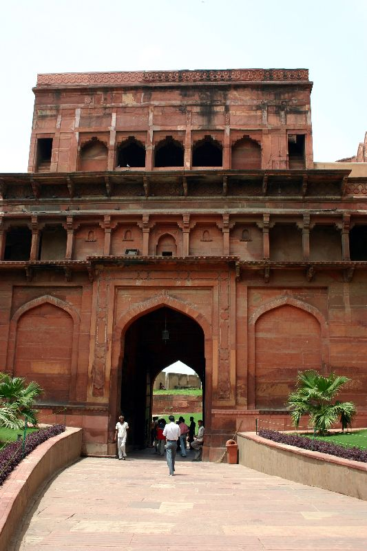 The entrance to the courtyard, Agra fort, Agra
