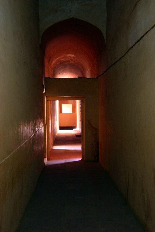 Jaigarh fort, Naturally lit