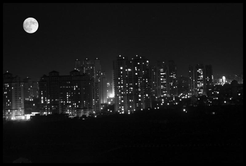 Gurgaon by moonlight