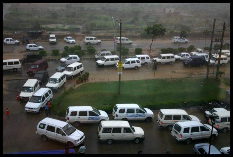Gurgaons staple, call center cabs, Gurgaon