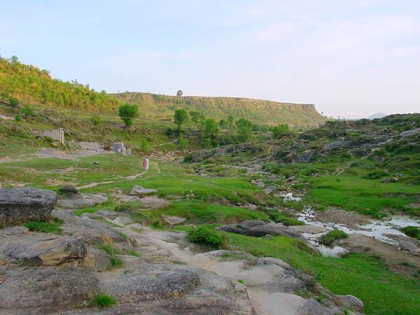 Near Khawas