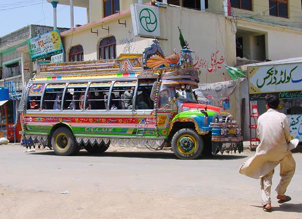 Bus in Charoi