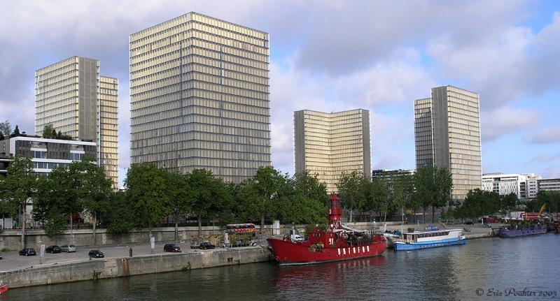 La grande bibliotheque, Paris.