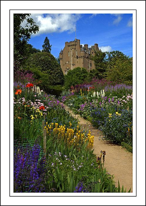 Flower borders, Crathes Castle, Banchory, Aberdeenshire (1586)