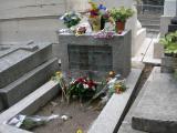 Au Père Lachaise, la tombe de Jim Morrison