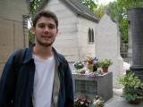 Guillaume sur la tombe de son idole - Jim Morrison