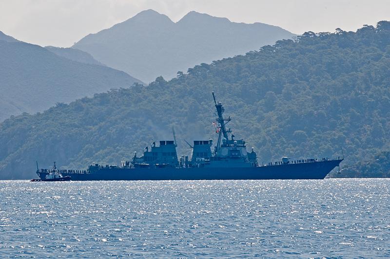USS Mitscher leaving Marmaris
