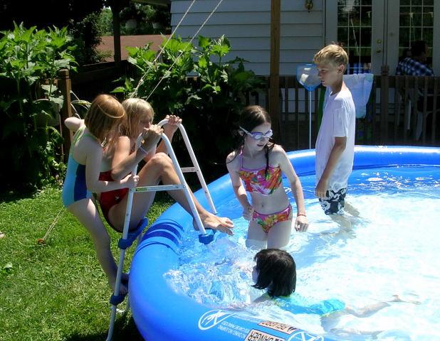 Rori, Julie, Savanna, Jake & Alysssa in front