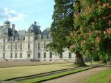 Château de Cheverny situé à 15 minutes de marche de notre hôtel...présence de mobilier d'une très grande richesse
