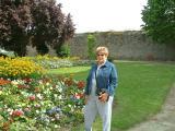 Le jardin Anglais situé derrière la basilique de Saint-Sauveur