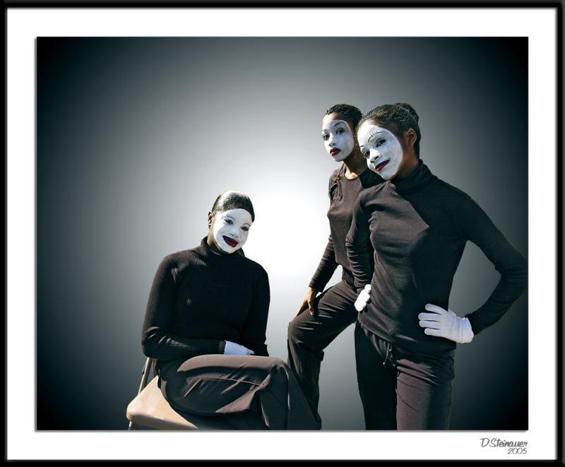 10/5/04 - Dancers<br><font size=3>ds20051002_0019a1wF Dancers.jpg</font>