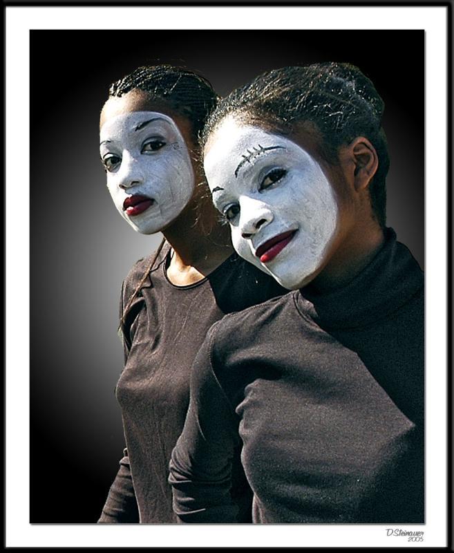 ds20051002_0019bwF Dancers.jpg