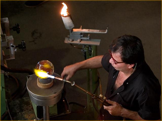 Into the glassworks / Glasi Hergiswil