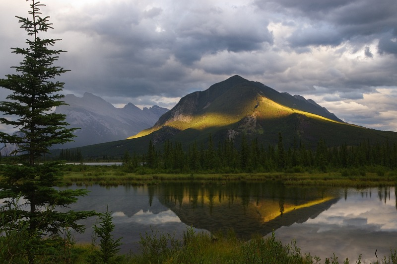Sulfur Mountain.jpg
