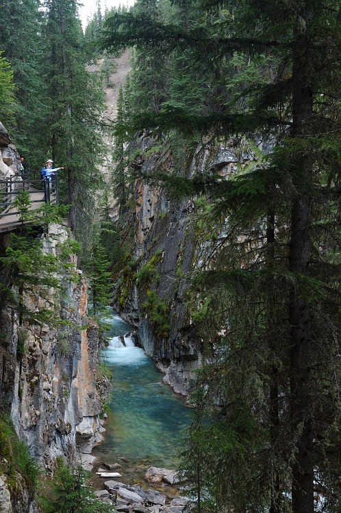 Johnston Canyon 2.jpg