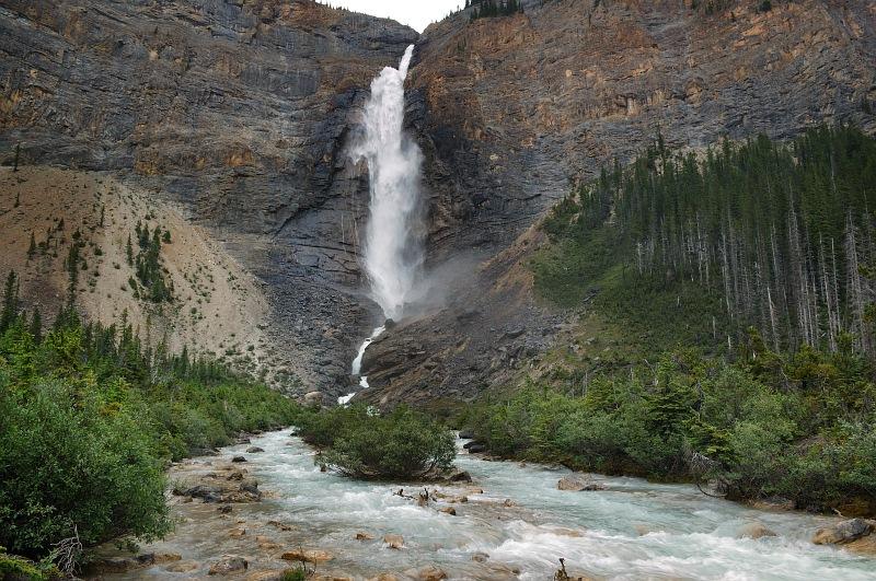 Takakkaw Falls 4.jpg