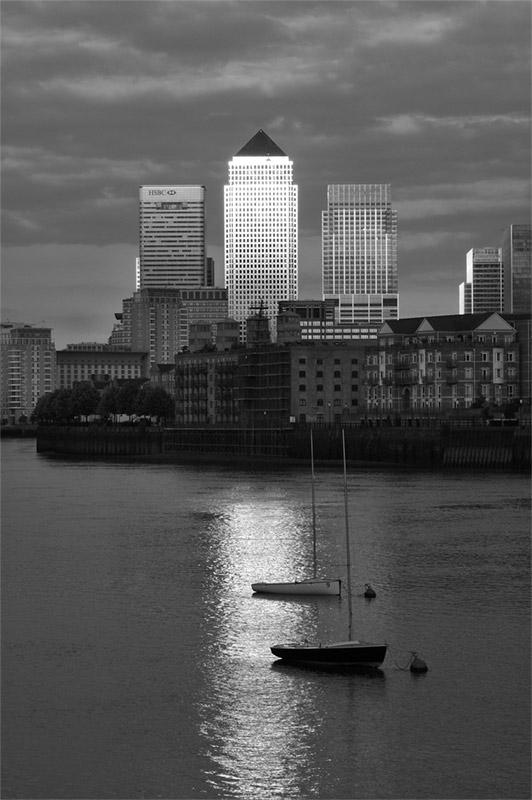 Docklands / Canary Wharf - B&W edit
