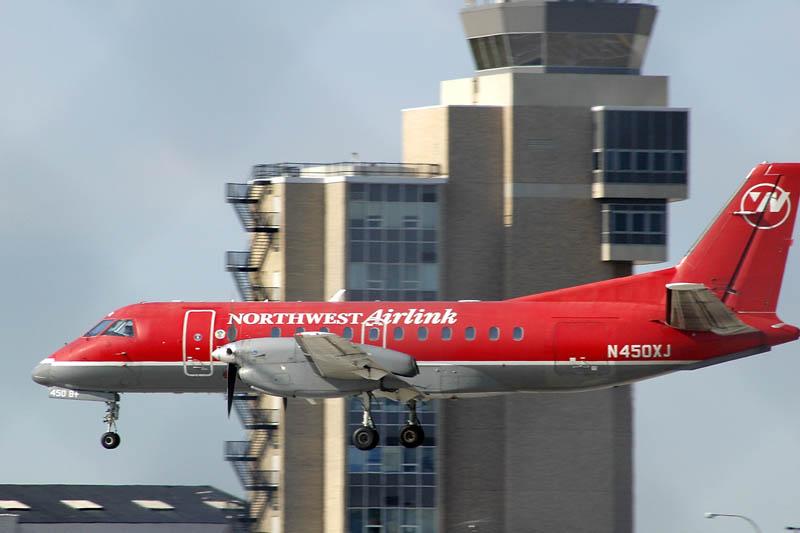 Northwest Airlink Landing at MSP 2