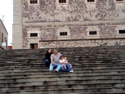 Sandra y Diana con su papá